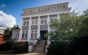 Robert E. Lee Building